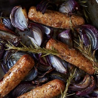 Linda McCartney Vegeterian Red Onion & Rosemary Sausage - 40 x 45g