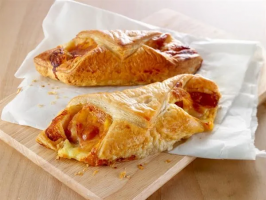 Wrights Bacon and Cheese Puff - 42 x 155g